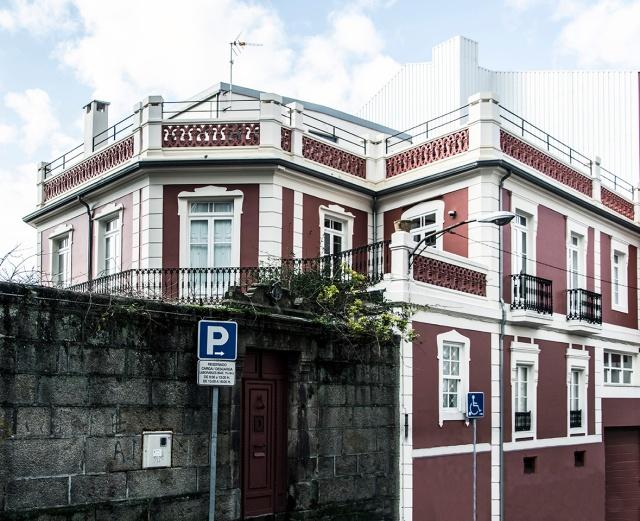 Casa familiar na rúa Romil.